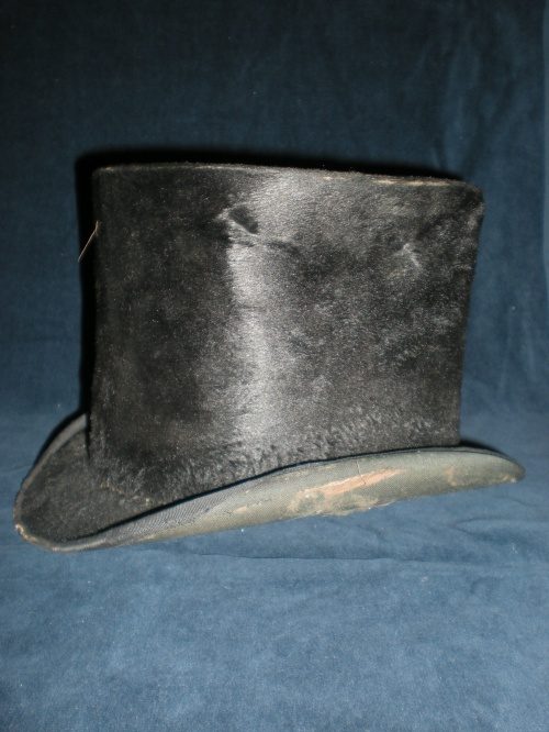 "The ""Lincoln hat,"" side view"
