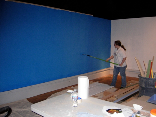 Wonderful work-study Ashley tackles the blue wall