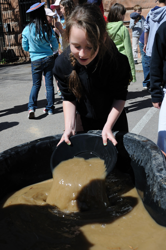 Panning for gold at Rendezvous 2009!
