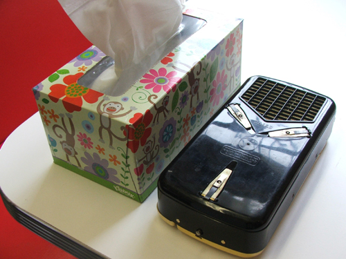 The Wondergram is smalled than a Kleenex box!